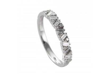 Sara White Gold Diamond Ring