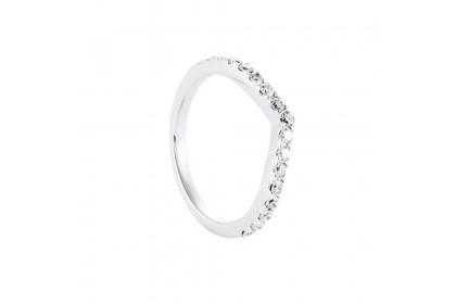 White V-Shape Diamond Ring