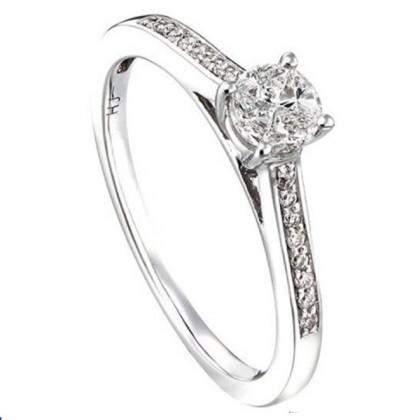 Round Cut Diamond Ring in 750/18K White Gold 24710